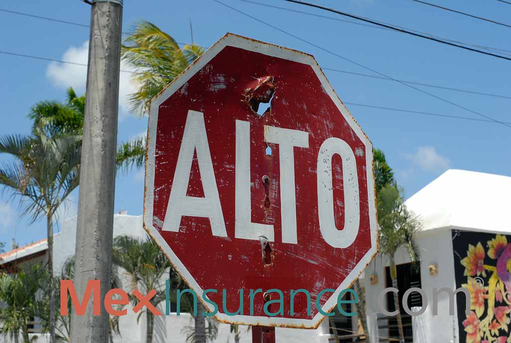 Traffic sign in Mexico