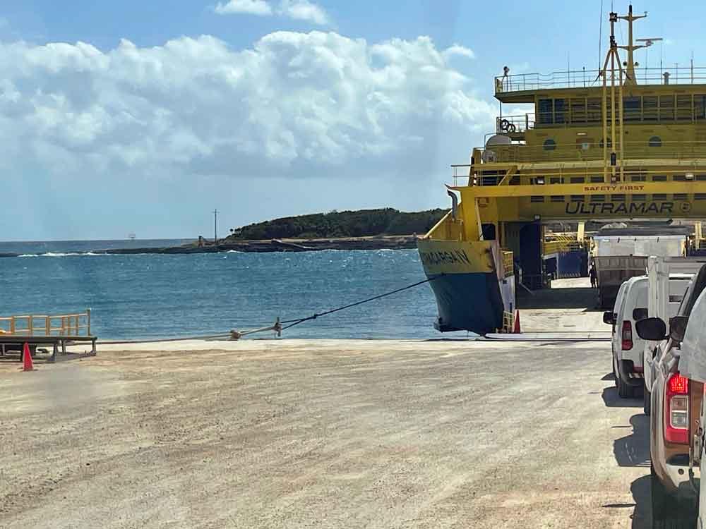 Cozumel-loading cargo