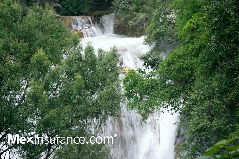 El Chiflon Cascada Quincanera, Chiapas.  Photo by William Kaliher