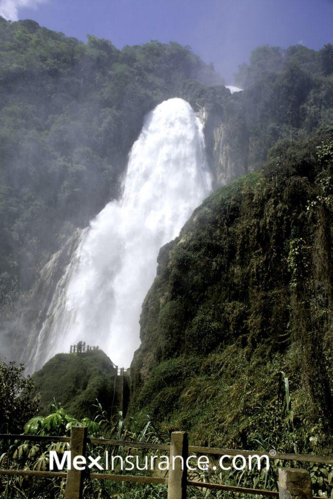 El Chiflon Vela de Novia Tall Waterfall Chiapas