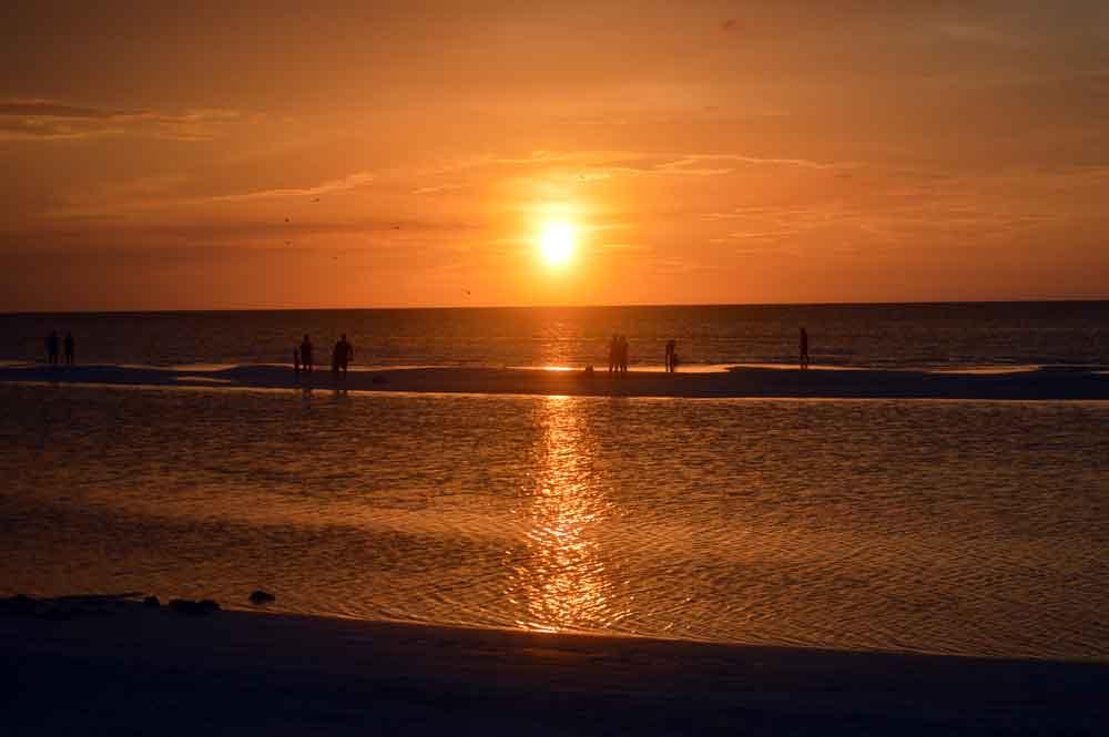Holbox- Sunset-at-Sand-Flats