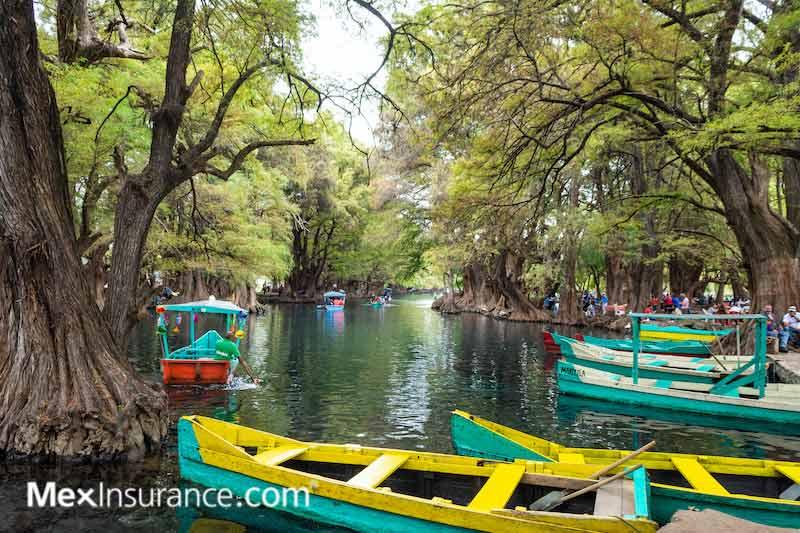 Camecuaro Michoacán - Lake Picnic