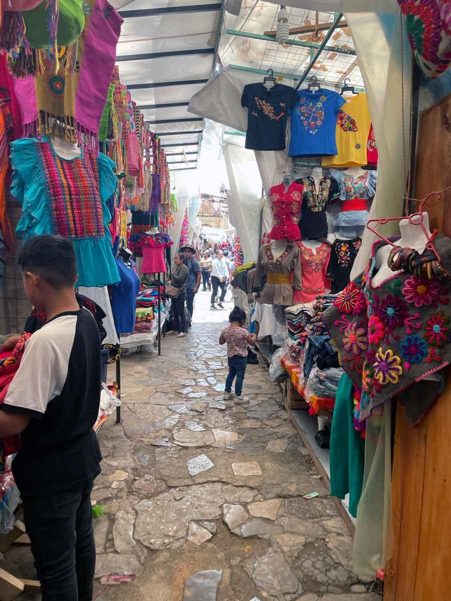 San-Critobal-de-las-casas-Market.