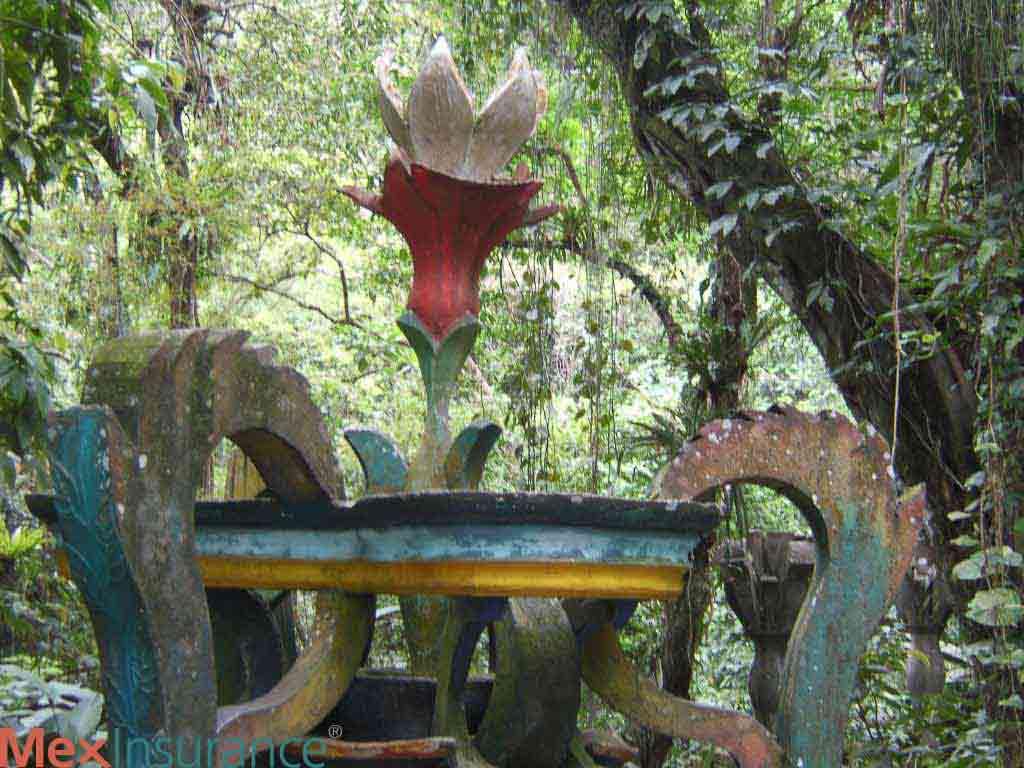 Xilitla Tulip Sculpture
